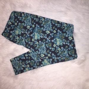 Lularoe Leggings Roses Size TC